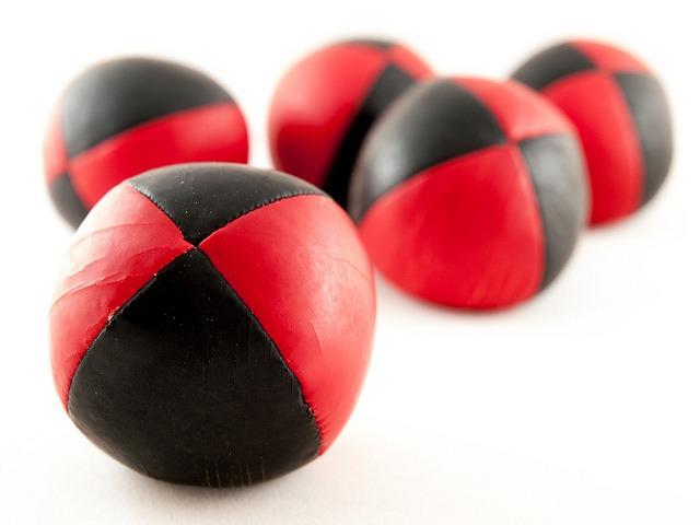 juggling balls (2)